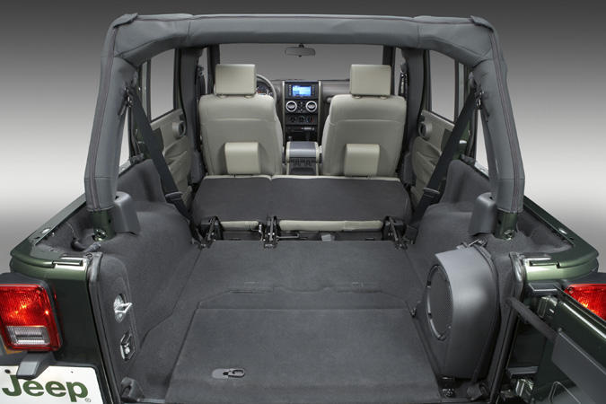L int rieur de la jeep wrangler shara cr dit chrysler for Interieur jeep