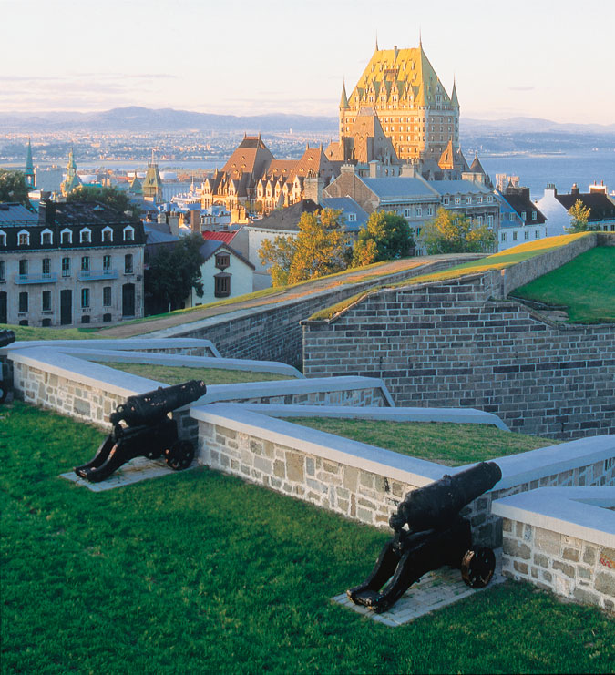 La ville de qu bec vu des fortifications cr dit office du tourisme de qu bec camping - Office de tourisme quebec ...