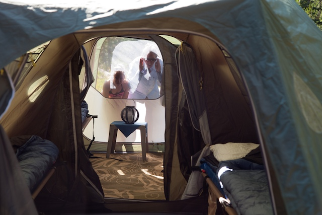 camping de luxe yellowstone camping caravaning. Black Bedroom Furniture Sets. Home Design Ideas