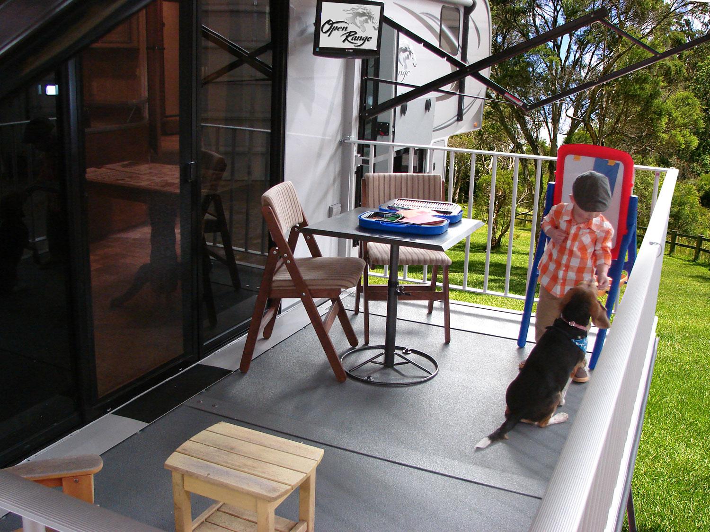 Plus besoin de vous passer de votre terrasse en vr camping caravaning - Patio fibre de verre prix ...