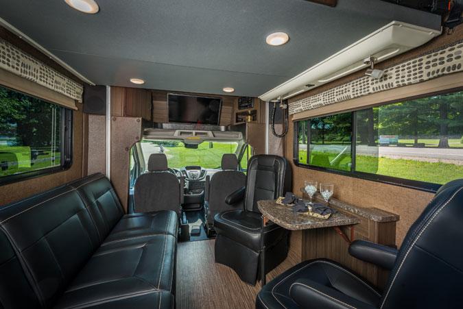 travailler bord de son vr camping caravaning. Black Bedroom Furniture Sets. Home Design Ideas