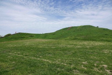 Les vestiges de Monks Mound, près de St-Louis - copie