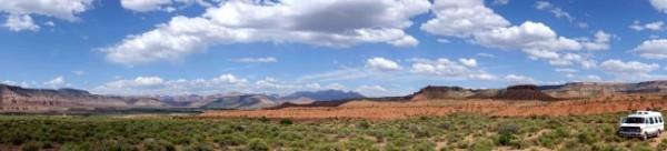 Camper dans le désert, seul au monde. - copie