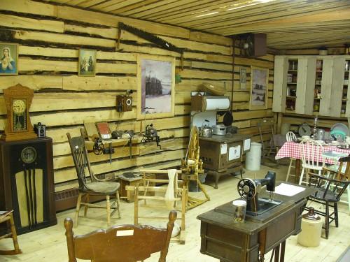 On a ouvert «Le petit Musée de Légal» qui réunit des objets de la vie d'autrefois.