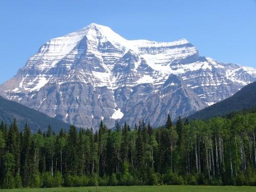 Le Mont Robson, BC. Le plus haut sommet des Rocheuses canadiennes.